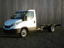 Photo du véhicule IVECO daily CHASSIS CABINE 35 C21 EMPATTEMENT 3750