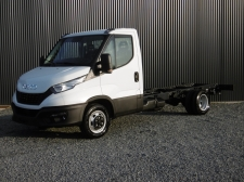 Photo du véhicule IVECO daily CHASSIS CAB 35 C18 EMP 3750